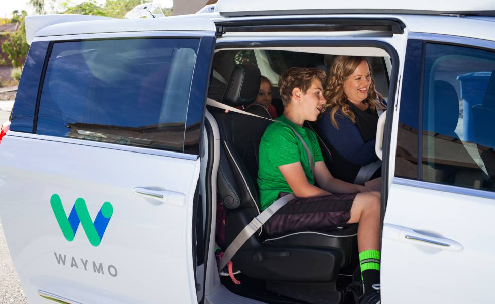 Una de las primeras familias que ha probado los coches autónomos.